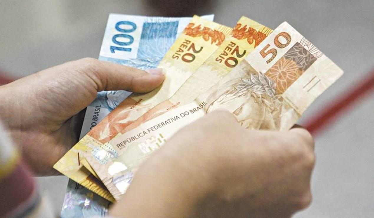 Governo anunciou que pagará primeira parcela do 13º salário dia 30 ...